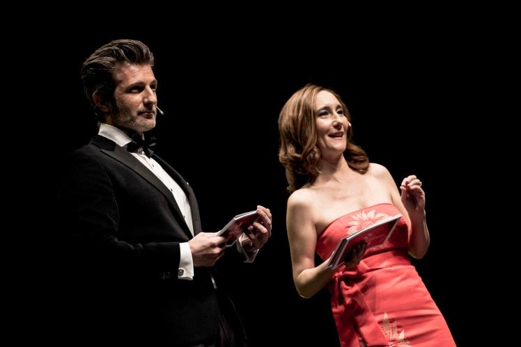 Jesús Olmedo y Raquel Martínez%2c presentadores de la gala